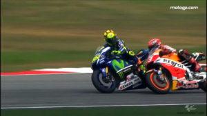 MotoGP-Malaysia-2015-Rossi-vs-Marquez-03