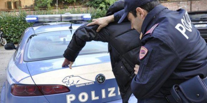 Arrestato l'uomo che aveva rapinato violentemente un' anziana