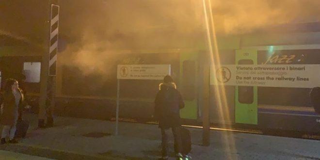 MOMENTI DI PANICO SUL TRENO PESCARA-TERMOLI, CARROZZE INVASE DAL FUMO