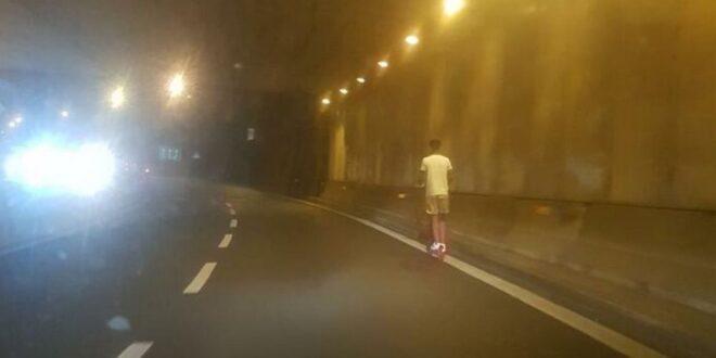 L'ULTIMA FOLLE MODA GIOVANILE: IN MONOPATTINO IN AUTOSTRADA SULL'A24 ROMA-L'AQUILA
